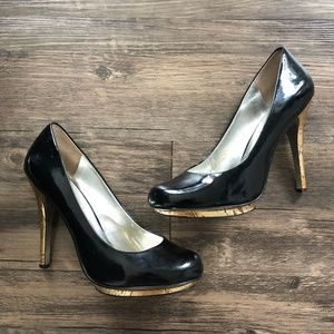 Jessica Simpson Black and Gold Pumps Sz 6.5